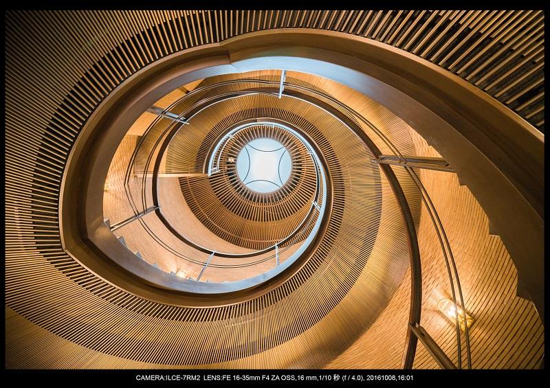 20161008大阪螺旋階段建築spiral6.jpg
