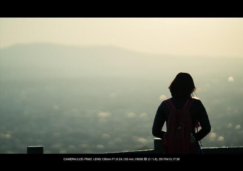 奈良絶景・若草山で鹿のシルエットと夕日夕陽1-0.jpg