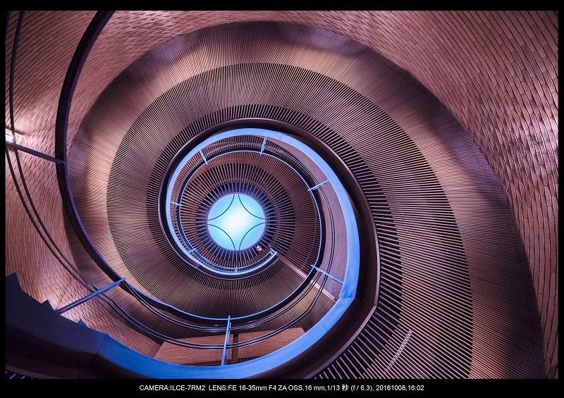 20161008大阪螺旋階段建築spiral7.jpg